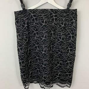 ELLE Size 12 Black and White lace flower skirt